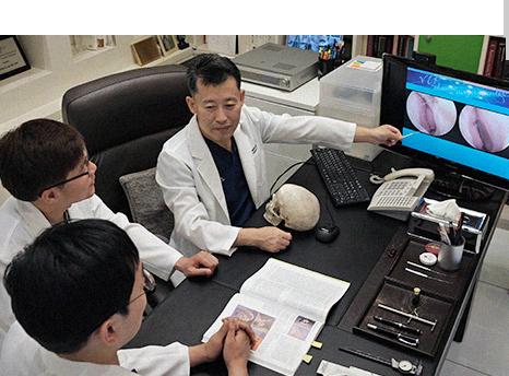 Dr. Lee's academic activities